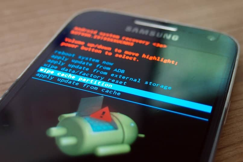modalità di ripristino sul telefono cellulare Android